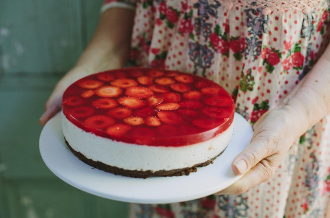 White Chocolate Strawberry Mousse Cake